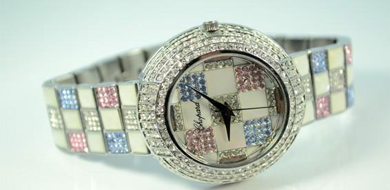 b4e43a071fe4 Скидка 50% На стильные женские часы - копии известных брендов. Дарите время  своим близким!