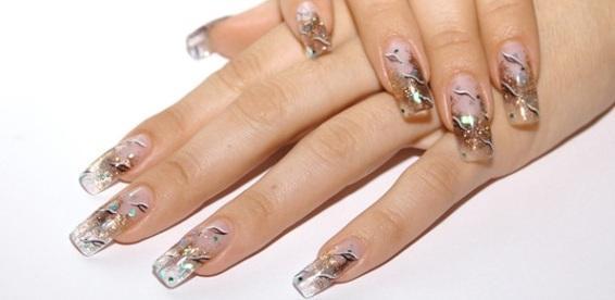 Блестки в наращивании ногтей